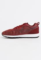 Nike - Nike MD Runner 2 Sneakers Dark Red