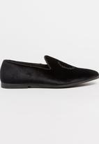 Paul of London - Paul Of London Velvet Slip On Shoes Black