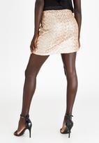 STYLE REPUBLIC - Sequin Mini Skirt Gold