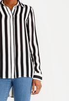 edit - Long Sleeve Button Down Blouse Black and White