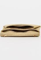 BLACKCHERRY - Structured Clutch Bag Gold