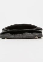 BLACKCHERRY - Structured Clutch Bag Black