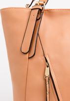 BLACKCHERRY - Zip Detail Shoulder bag Nude