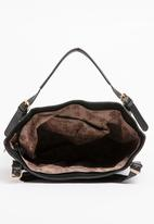 BLACKCHERRY - Zip Detail Shoulder bag Black
