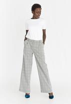 STYLE REPUBLIC - Wide Leg Trouser Grey