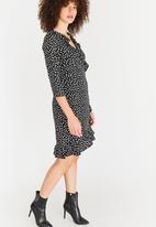 Vero Moda - Henna dot dress - black & white
