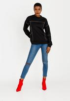 c(inch) - Stitch Detail Sweatshirt Black