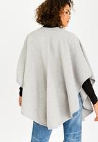 STYLE REPUBLIC - Curved Wrap Pale Grey