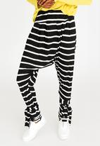 Slick - Ashli Harem Pants with Ankle Tie Detail Black and White