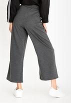 c(inch) - Cropped Jogger Dark Grey