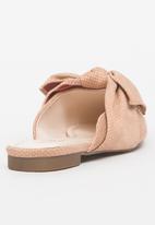 Dolce Vita - Malibu Bow Detail Slip-ons Beige
