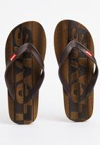 Levi's® - Bells 2 Flip Flop Brown