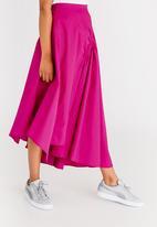 STYLE REPUBLIC - Asymmetrical Skirt Magenta