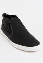 Brave Soul - Crashern Slip On Sneakers Black and White