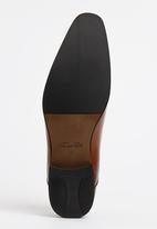 Gino Paoli - Side Perforation Plain Toe Cap Lace Up Shoe Tan
