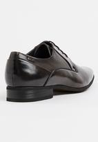 Gino Paoli - Side Perforation Plain Toe Cap Lace Up Shoe Charcoal