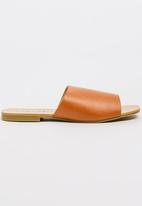 Model.Me - Jessica Peep-Toe Mules Tan