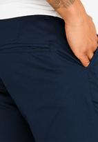 Resist - Cropped Smart Chino Pants Navy