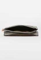 BLACKCHERRY - Minimal Clutch Bag Grey