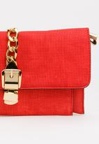 BLACKCHERRY - Metail Chain Detail Clutch Bag Red