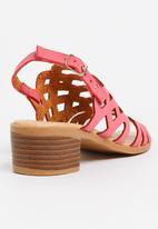 Jumbo - Cut-Out Block Heel Dark Pink