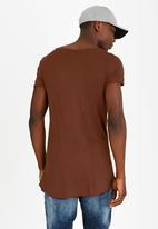 STYLE REPUBLIC - Ruffian Angel Tee Rust