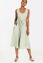 AMANDA LAIRD CHERRY - Simosihle Dress Khaki Green