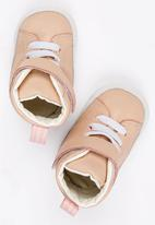 shooshoos - Cleveland High Top Sneaker Pale Pink