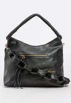 BLACKCHERRY - Linked Loop Hobo Bag Black