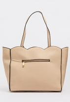 BLACKCHERRY - Scalloped Shopper Bag Neutral