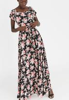 AMANDA LAIRD CHERRY - Katya Floral Print Belted Maxi Dress Floral