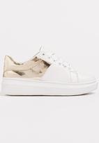 Pierre Cardin - Metallic Detail Sneakers Gold