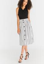 STYLE REPUBLIC - Fit and Flare Skirt Multi-colour