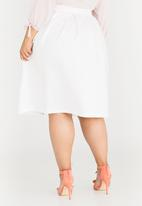 STYLE REPUBLIC PLUS - Box Pleat Skirt White