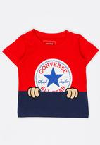 Converse - Peeping Patch Chuck Tee Red