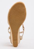 1c0e06a0b90 Nexus Wedges Neutral Shoe Art Heels