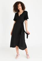 STYLE REPUBLIC - Wrap Dress Black