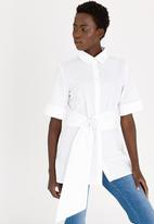 STYLE REPUBLIC - Ring Detail Shirt White