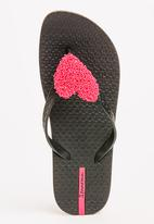 Ipanema - Heart  Flops Black