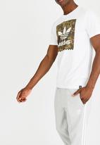 adidas Originals - Action sports graphic tee short sleeve - white