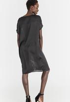 Marique Yssel - Raglan Tunic Dress Black and White
