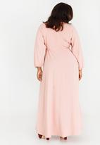 AMANDA LAIRD CHERRY - Eleonora Satin-like Maxi Dress Rose