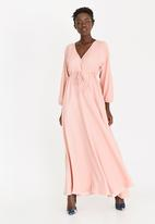AMANDA LAIRD CHERRY - Eleonora Satin-like Maxi Dress Pale Pink