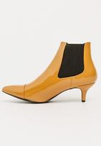 Seduction - Patent Booties Camel