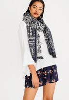 STYLE REPUBLIC - Printed Scarf Navy