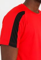 STYLE REPUBLIC - AWDIS Active Tee Red