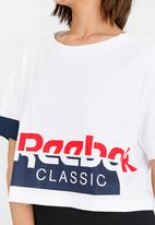 Reebok Classic - Cropped tee - white