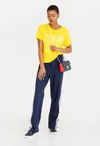 Tommy Hilfiger - Cropped Logo Tee Yellow