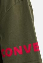 376337417e18 Converse Print Fill Star Chevron Tee Khaki Green Converse Tops ...