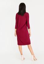 edit - 3/4 Sleeve pocket detail dress - burgundy